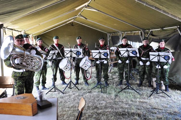 Storstrøms Tambourkorps spillede under frokosten.